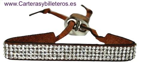 PULSERA DE PIEL ANTE Y STRASS CON CIERRE METAL REGULABLE 10 COLORES MARRON