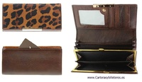BIG WOMEN WALLET COMBINED LEATHER AND GOLDEN NOZZLE